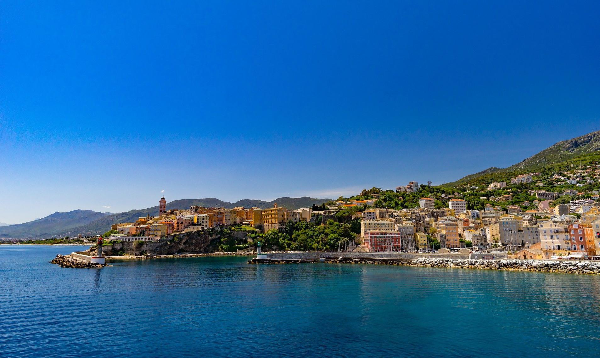 news-main-cunard-announces-return-to-mediterranean-cruises-and-overnight-european-stays.1601457677.jpg