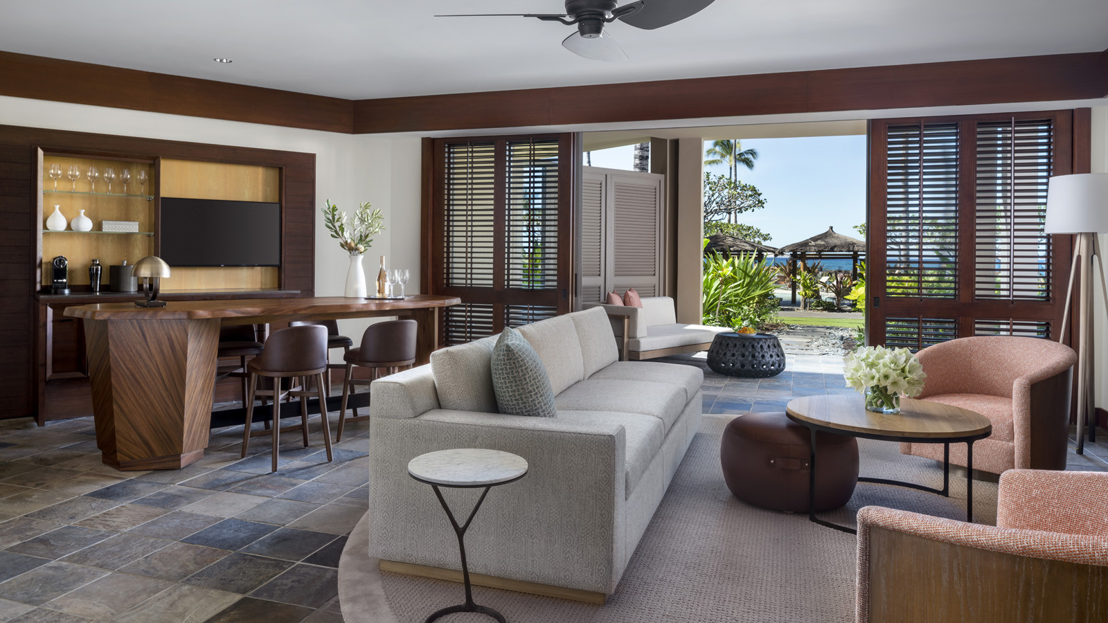 news-main-departures-magazine-recognises-property-wide-renovation-at-four-seasons-resort-hualalai-in-2021-legend-awards.1620249232.jpg