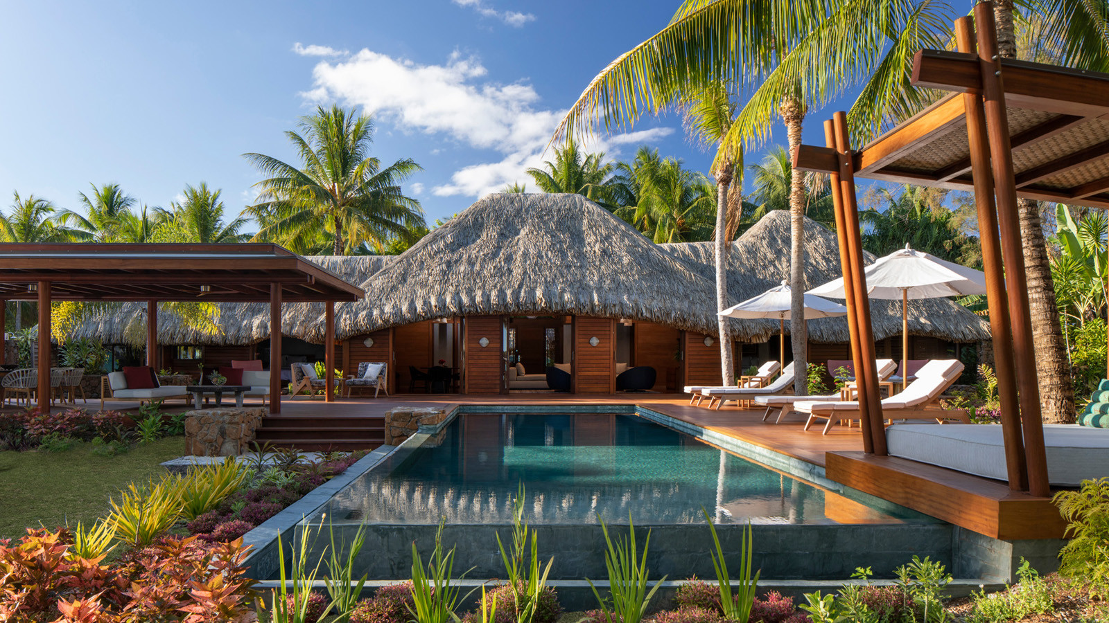 news-main-four-seasons-resort-bora-bora-announces-an-exclusive-partnership-with-artist-alain-despert.1584117470.jpg