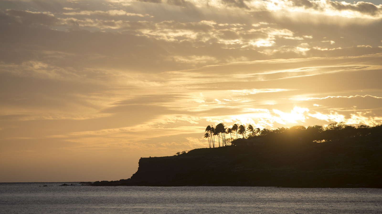 news-main-four-seasons-resort-lanai-brings-cooking-cocktails-and-more-to-guests-with-lanai-at-home-a-new-scial-media-series.1587984732.jpg
