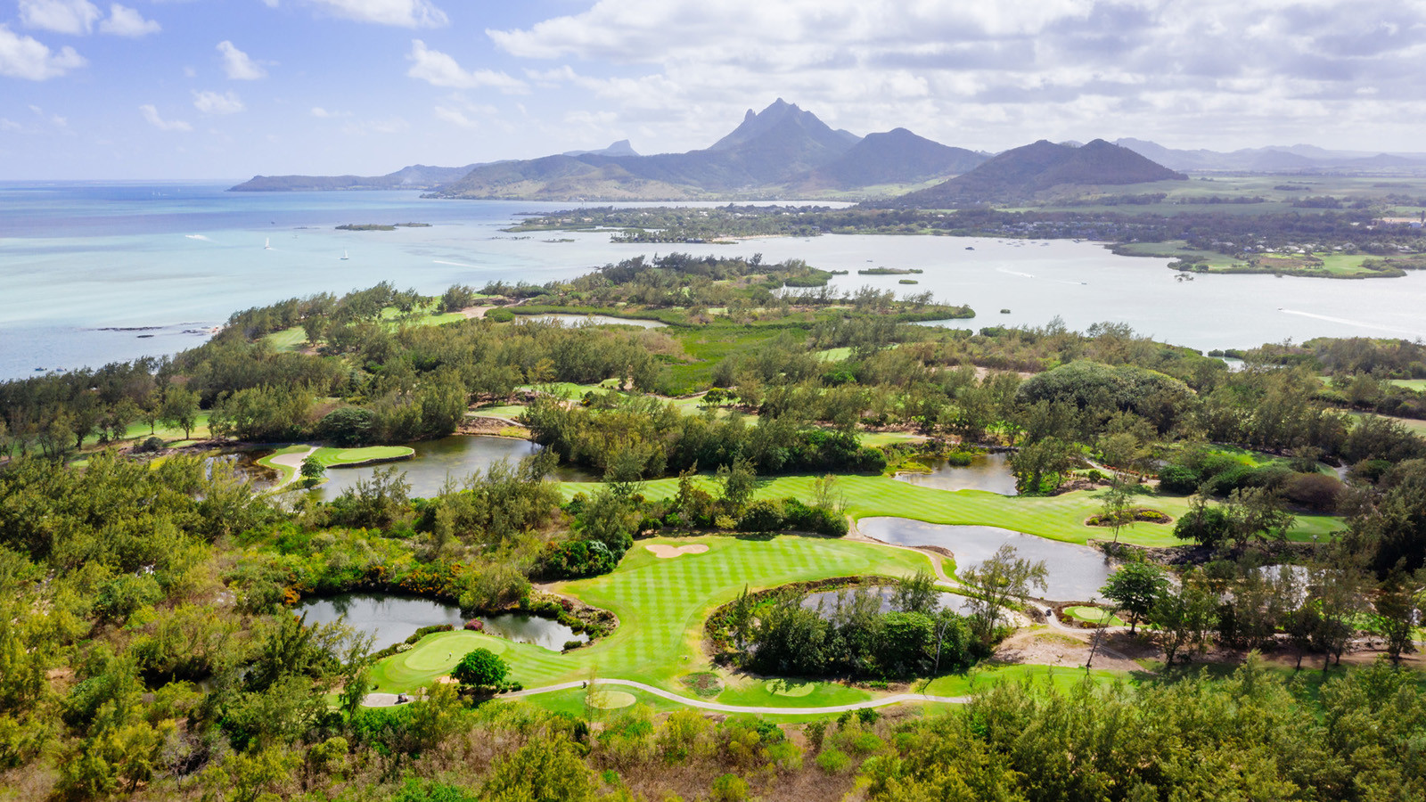 news-main-four-seasons-resort-mauritius-at-anahita-october-1-2021-marks-the-destinations-border-reopening-for-quarantine-free-stays-for-fully-vaccinated-travellers.1633270657.jpg