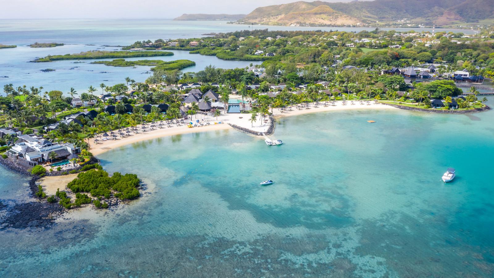 news-main-four-seasons-resort-mauritius-at-anahita-reveals-refreshed-design-of-one-bedroom-villas.1594121646.jpg