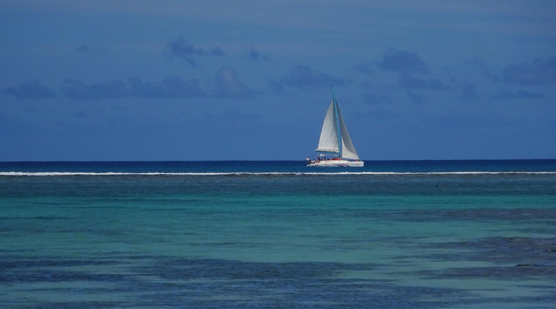 news-main-la-location-de-bateau-tendance-voyage-majeure-pour-lete-2021.1615373788.jpg