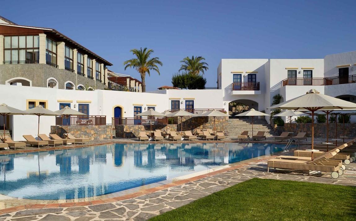 news-main-metaxa-hospitality-group-hosts-german-tour-operators-on-crete.1594807041.jpg